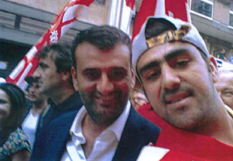 Terrorismo: un fermato fotografato con sindaco Bari