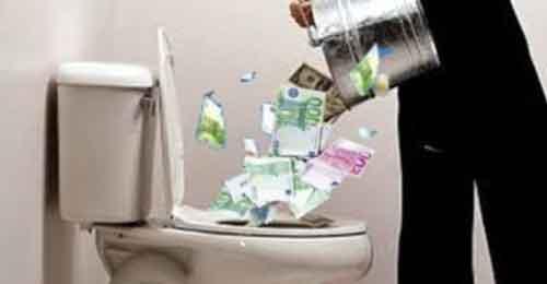 soldi-nel-cesso