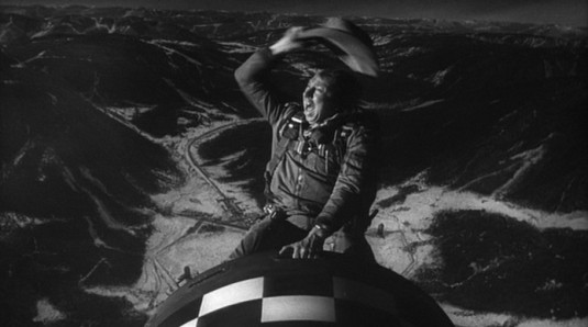 Il-dottor-Stranamore-ovvero-come-imparai-a-non-preoccuparmi-e-ad-amare-la-bomba-con-Peter-Sellers-George-C.-Scott-Sterling-Hayden-di-Stanley-Kubrick-streaming-2