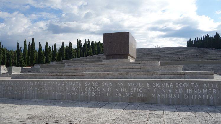 Sacrario_militare_di_Redipuglia_agosto_2014